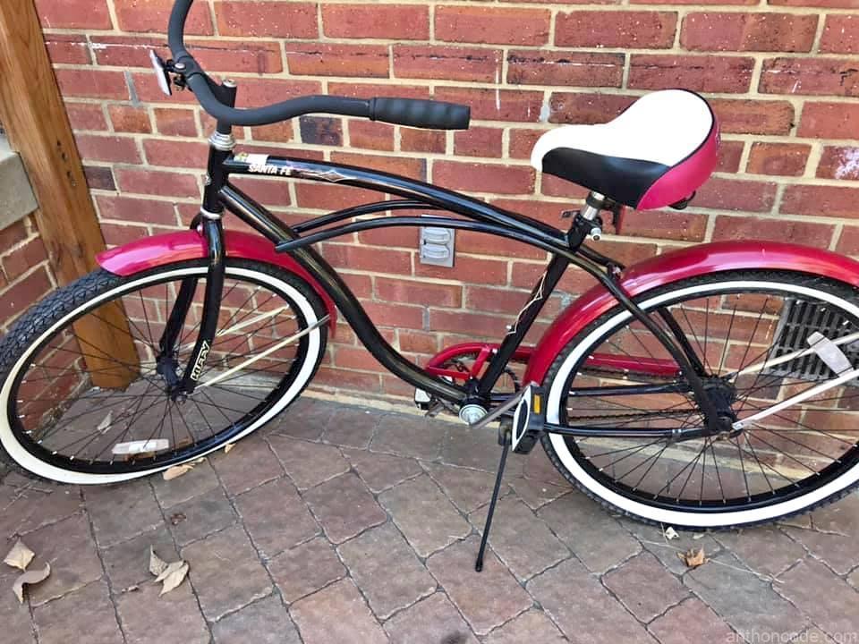 bicicleta-playera-negro-y-rojo